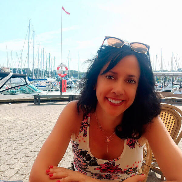 Headshot of Suzanne Sanford, Elevatest's CEO